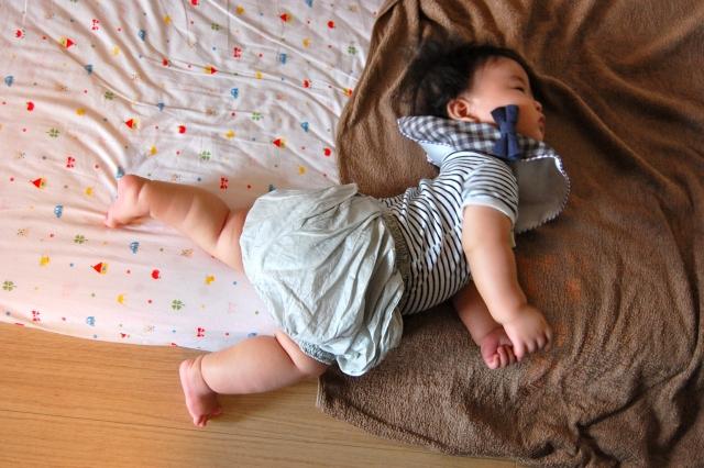 寝返りでの下肢のポイント